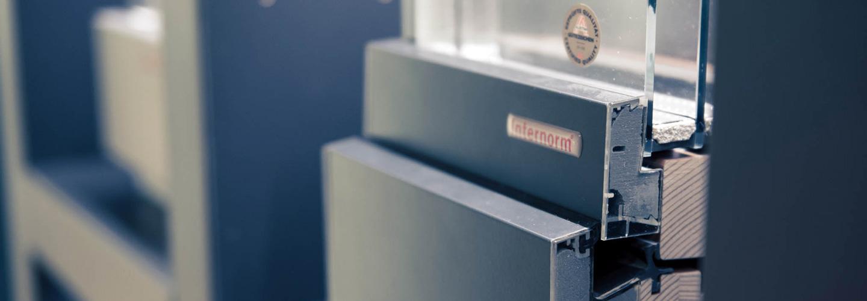 Montage fensterpark fenster t ren sonnenschutz for Montage fenster
